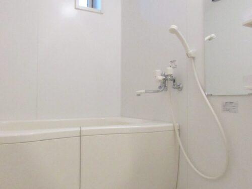 浴室にも窓が付いてます!(風呂)