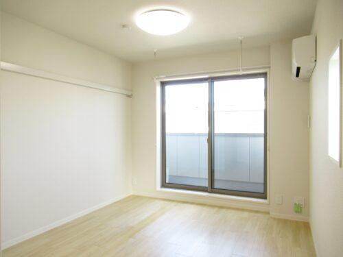 2面採光で明るい室内!(内装)