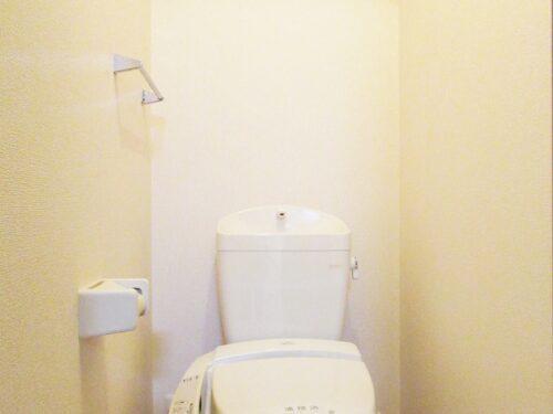 洗浄便座付きのトイレ☆