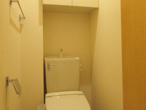 洗浄便座付きのトイレ♪
